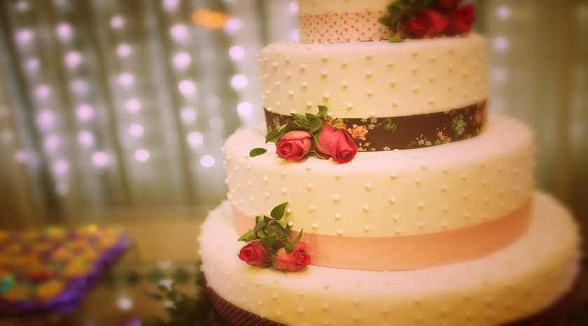 Top 4 Best Ways To Find Places to Get Your Wedding Cake Made