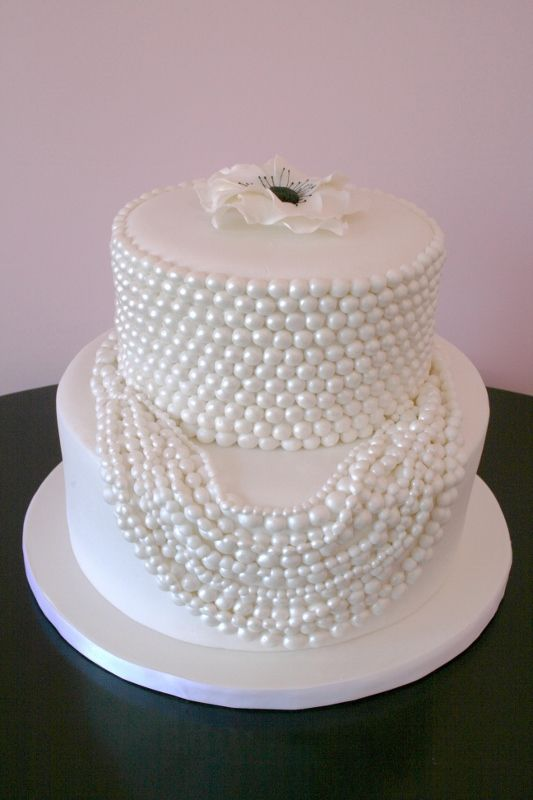 Dressed in Pearls cake