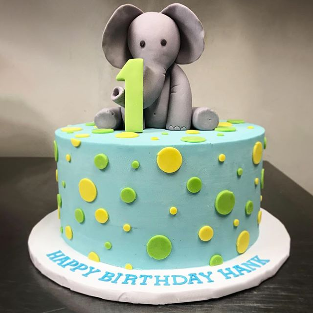 3D Birthday Cake with elephant on top