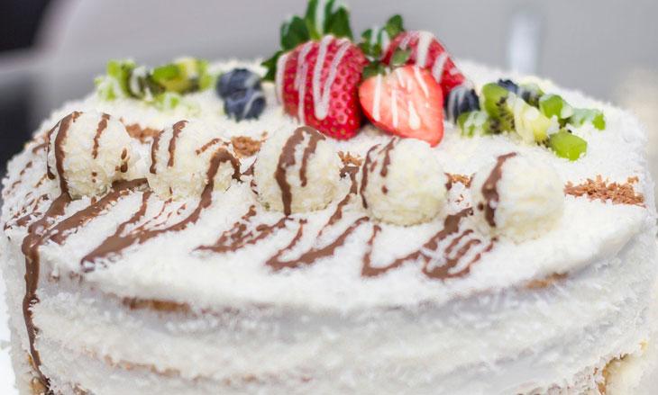cake strawberry delicious cream