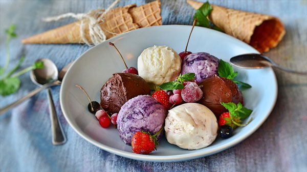 different flavors of ice cream in one plate
