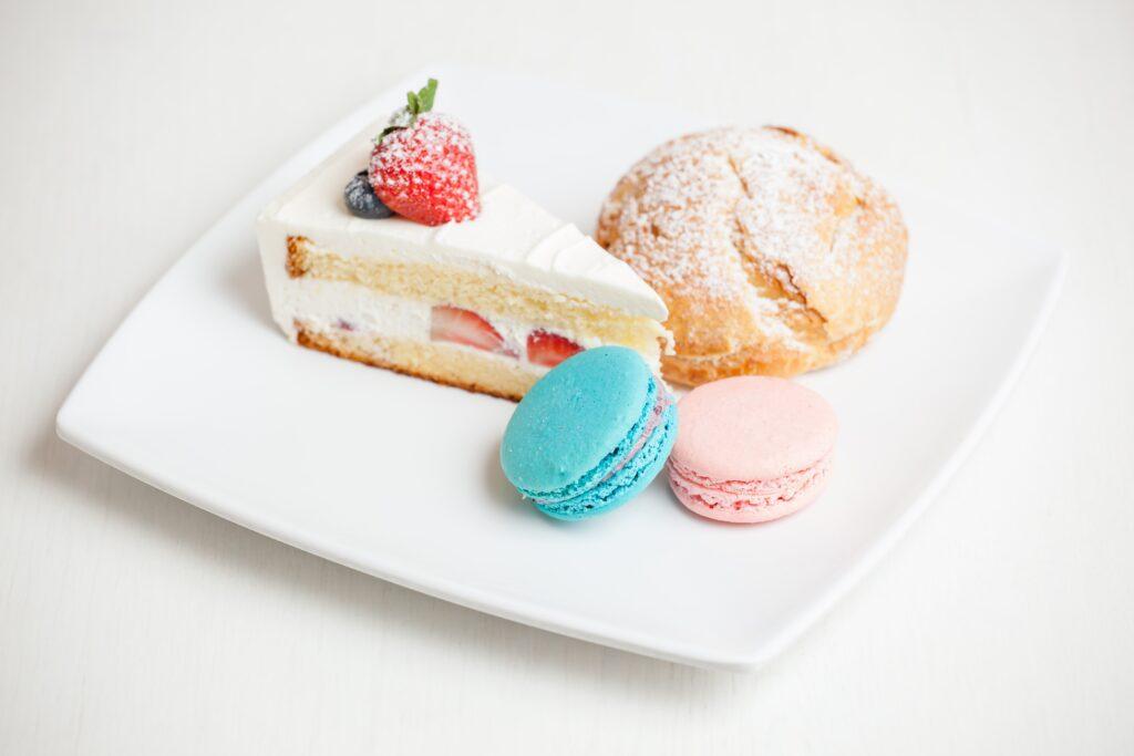 strawberry Victoria sponge cake